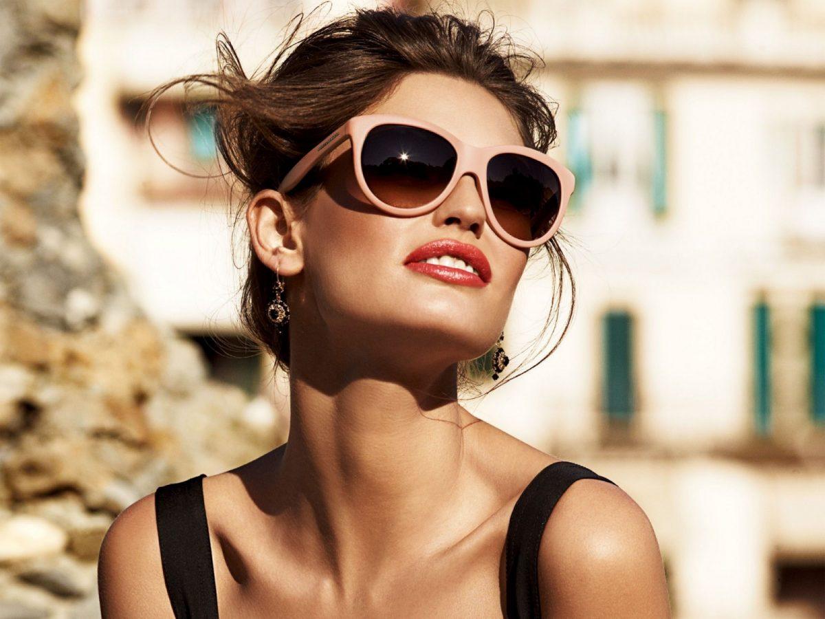 Beli Kacamata Online Yang Menarik, Trendy, Dan Berkualitas