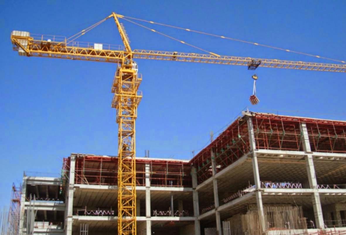 Rental Tower Crane Untuk Alat Angkut Material Bangunan