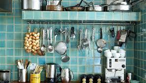 Cara Mendesain Dapur Kecil Tanpa Kitchen Set