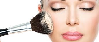 Pemakaian Makeup Terlihat Natural