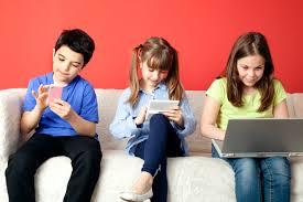 Cegah Dampak Negatif Anak yang Kecanduan Bermain Gadget